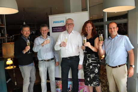 ... in selling and installing LED lighting at some of the largest Danish greenhouses with Philips Lightingu0027s innovative greenhouse lighting technologies.  sc 1 st  Hortidaily & Philips Lighting adds Horticoop Scandinavia to Partner Network azcodes.com